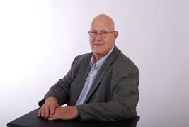 Michel Truchon, conseiller service aux marchands Déco Surfaces