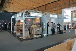 Les quatre entreprises québécoises sont regroupées autour du Bureau de promotion des produits du bois du Québec.